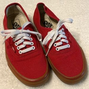 Vans canvas red low top gum